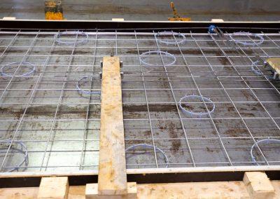 Ett betongelements form och armering.